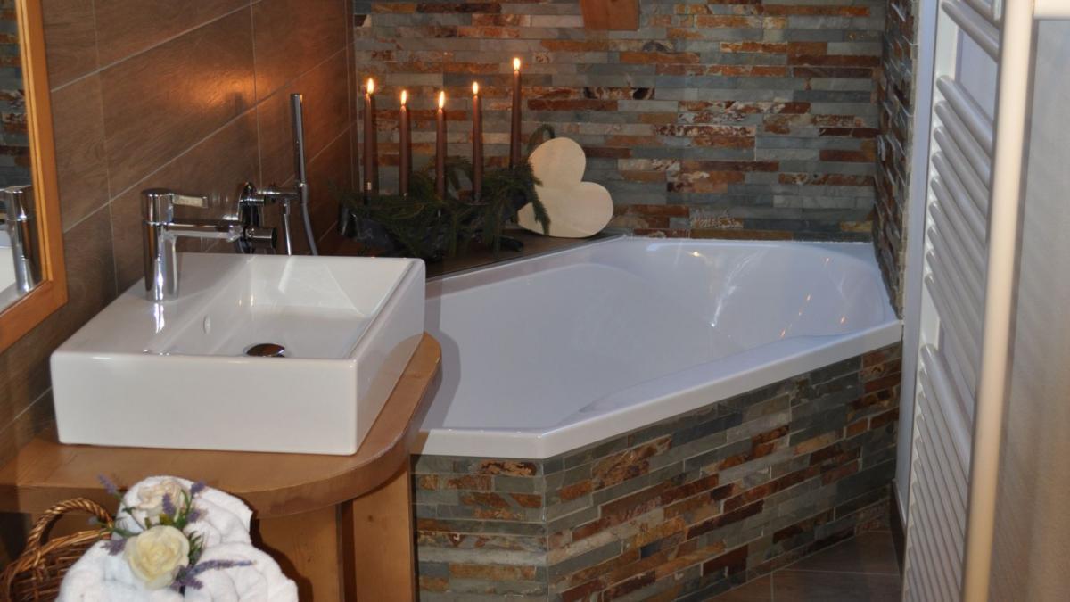 vacanza dolomiti suite rododendro hotel cavalese 1