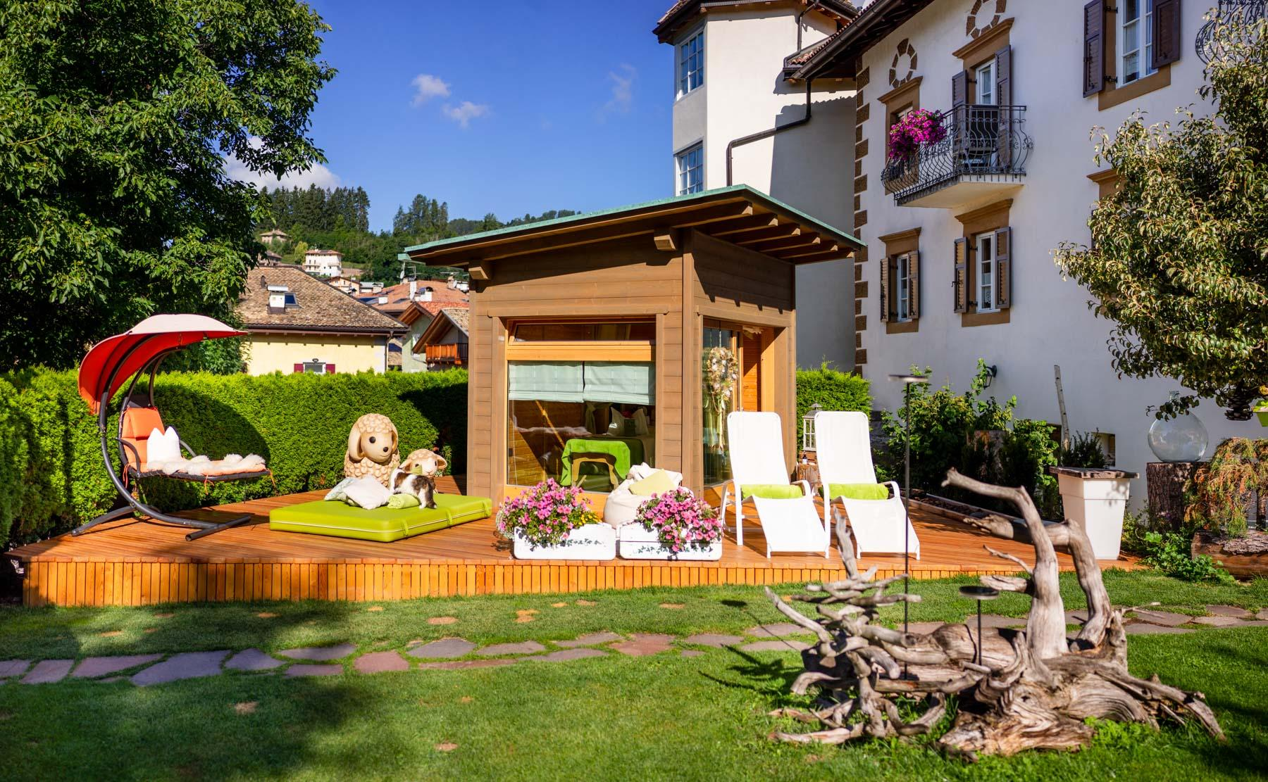 Spa cottage in the garden